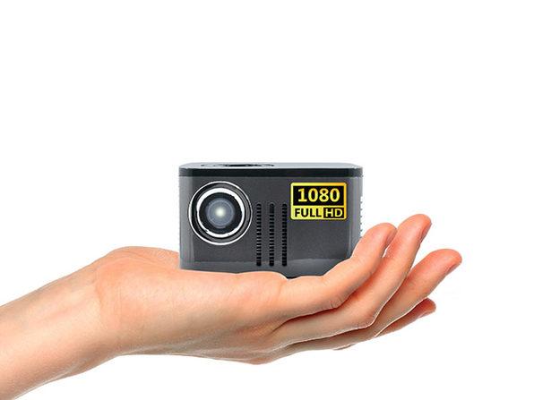 AAXA P7 600-Lumen Full HD DLP Pico Projector
