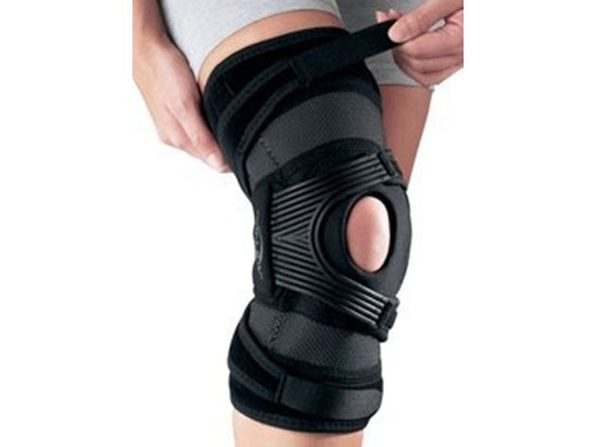 DonJoy AirCast Hinged Tru-Pull Knee Support Left for Patella Misallignment/Dysfunction, X-Small: (13 Inches - 15.5 Inches), Black