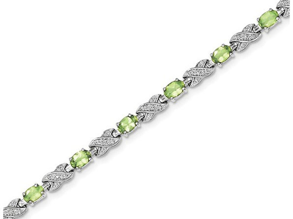 Natural Green Peridot Infinity Bracelet 5.00 Carat (ctw) in Sterling Silver