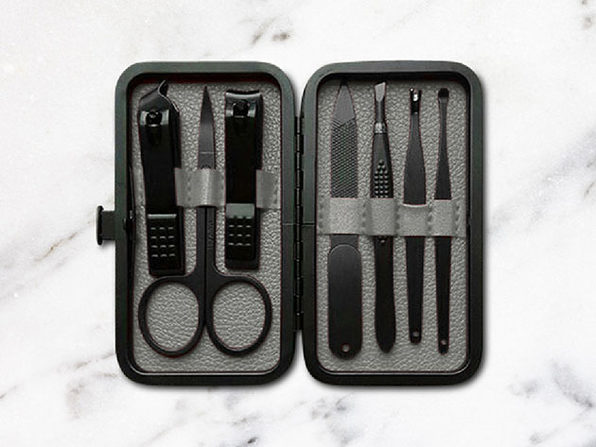 Jaunter 7-Pc Luxury Manicure Kit (Wolf Grey)