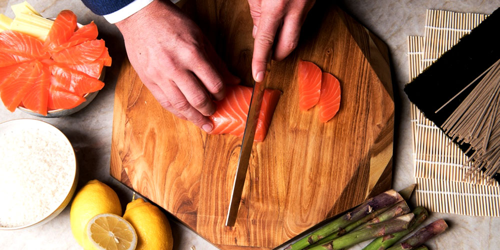 Teak Star Slim 9.8″ 005TS Cutting Board & 4-Piece Arondight Knife Set, on sale for $144.42 when you use coupon code DEC15 at checkout
