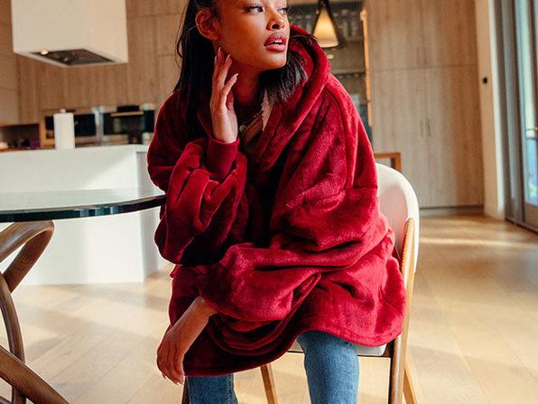CMFY Hoodie: 2-in-1 Hoodie & Blanket (Red)