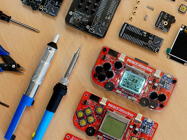 MAKERbuino Educational DIY Game Console (Standard Kit)
