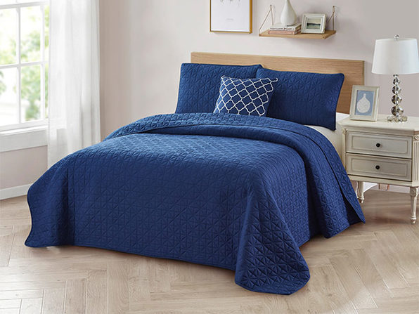 4-Piece Quilt Set with Embroidered  Pillow - Twin - Navy - Product Image