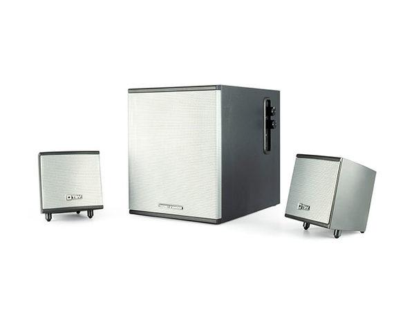 Thonet & Vander® KIND Desk Sound System + FLUG Bluetooth Receiver