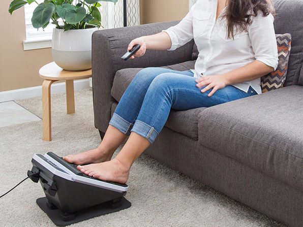 Foot Vibe Deluxe Massaging Footrest