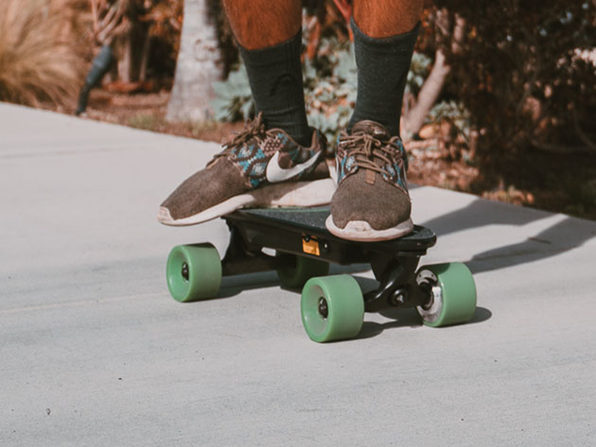 Urban E-Skateboard: Basic Version (Green)