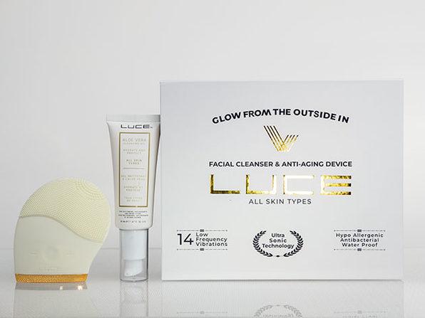 LUCE180° Facial Brush (White) + Aloe Vera Gel Face Wash