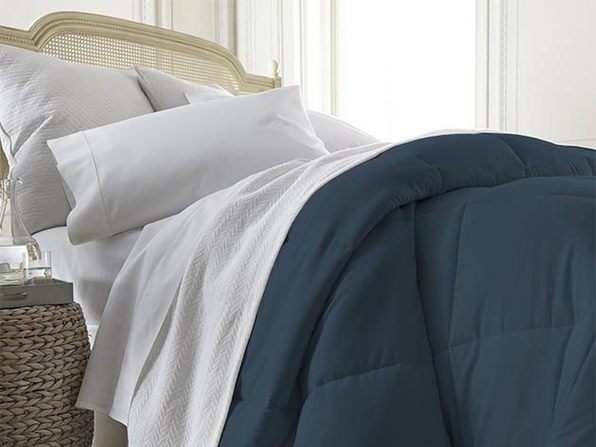 iEnjoy Home Down Alternative Navy Comforter (Full/Queen)