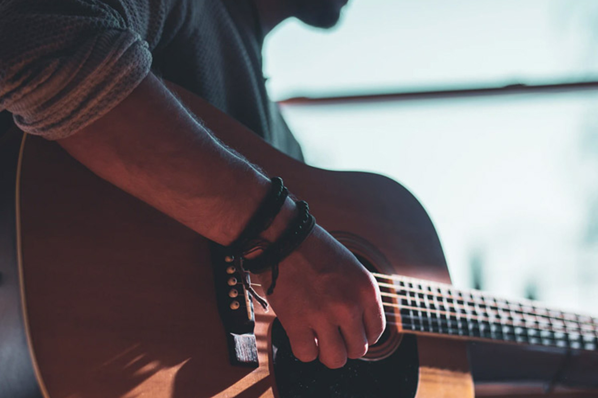 The Ultimate Beginner to Expert Guitar Lessons Bundle