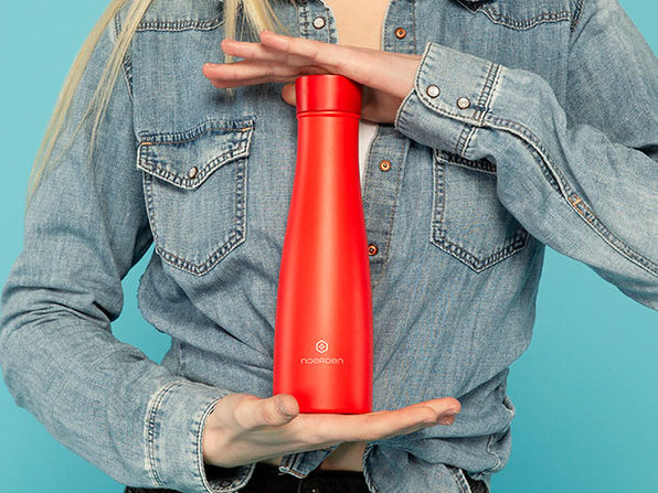 LIZ: The Smart Self-Cleaning Bottle with UV Sterilization (Red)