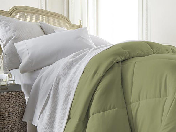 iEnjoy Home Down Alternative Sage Comforter