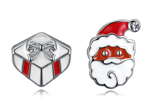 Santa Claus & His Presents Stud Earrings (White Gold)