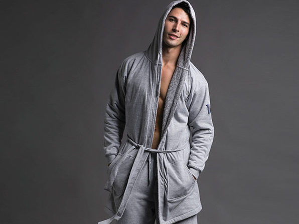 DudeRobe: Luxury Men's Hooded Bathrobe