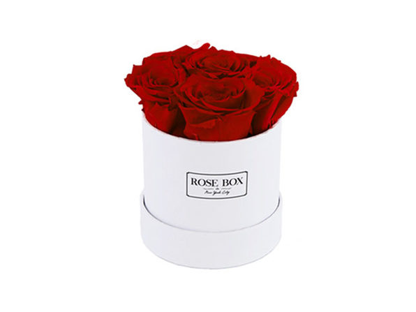 Mini White Boxes with Roses