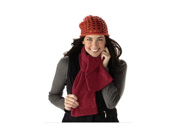 Sunbeam SCRF912-RED Cozy Spot Heated Warming Neck Scarf, Red - Product Image