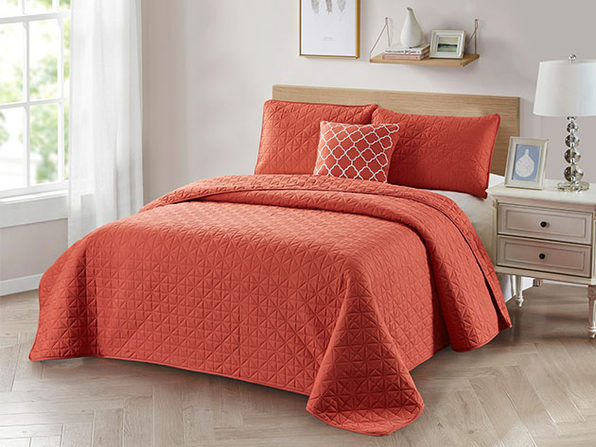 4-Piece Quilt Set with Embroidered  Pillow - Twin - Coral - Product Image